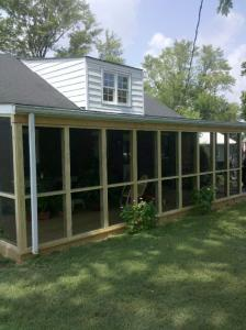 SCREENED PORCH 1.jpg